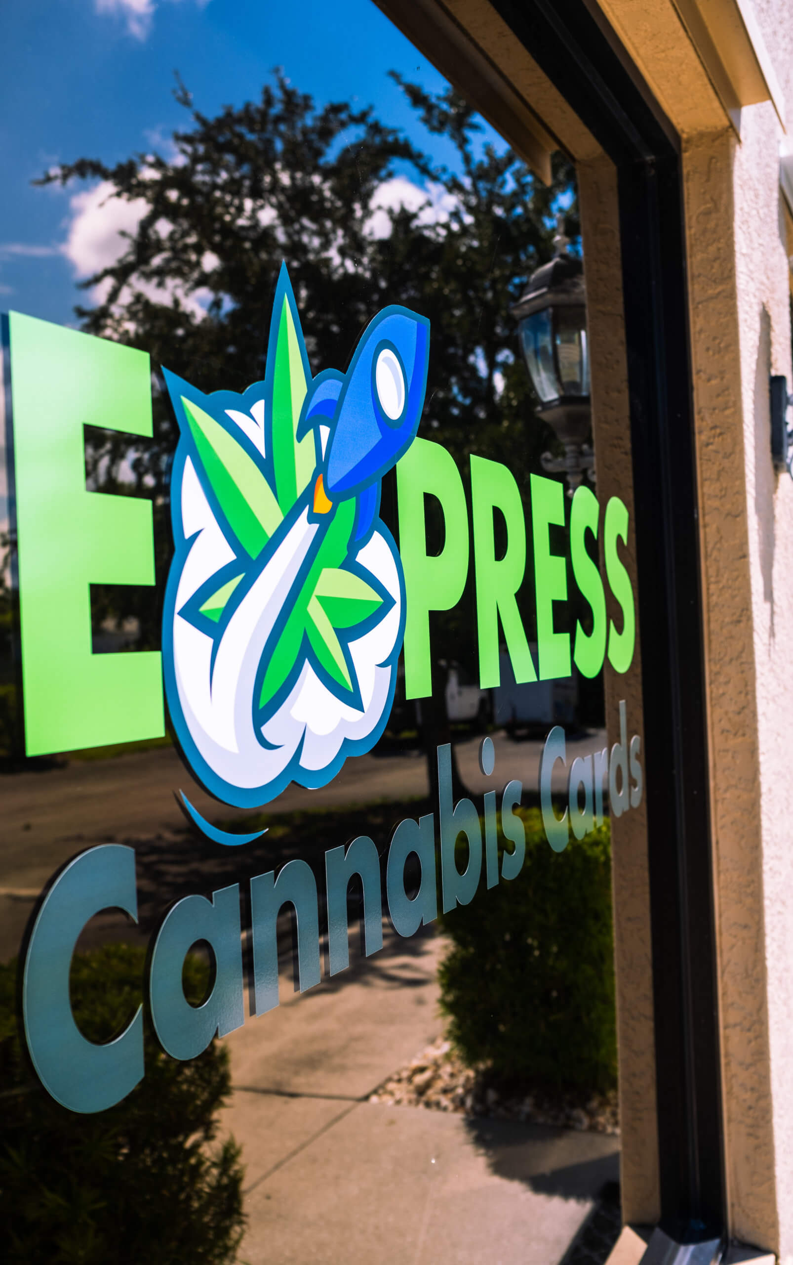Express Cannabis Door